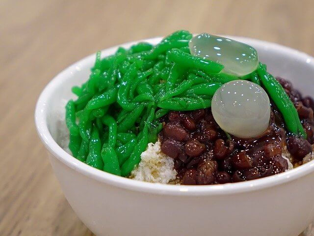 Close up of a bowl of chendol